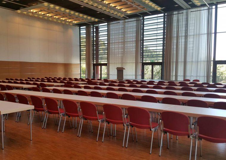 Saal West Variante Nord klein in der Congresshalle in parlamentarischer Bestuhlung