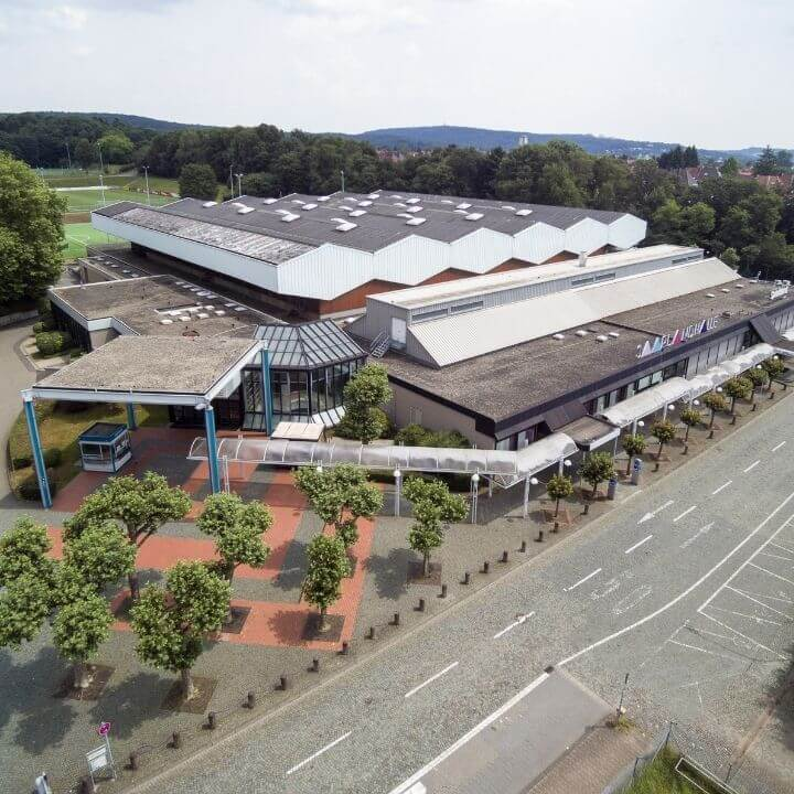 Saarlandhalle Luftaufnahme quadratisch copyright Fotolutz