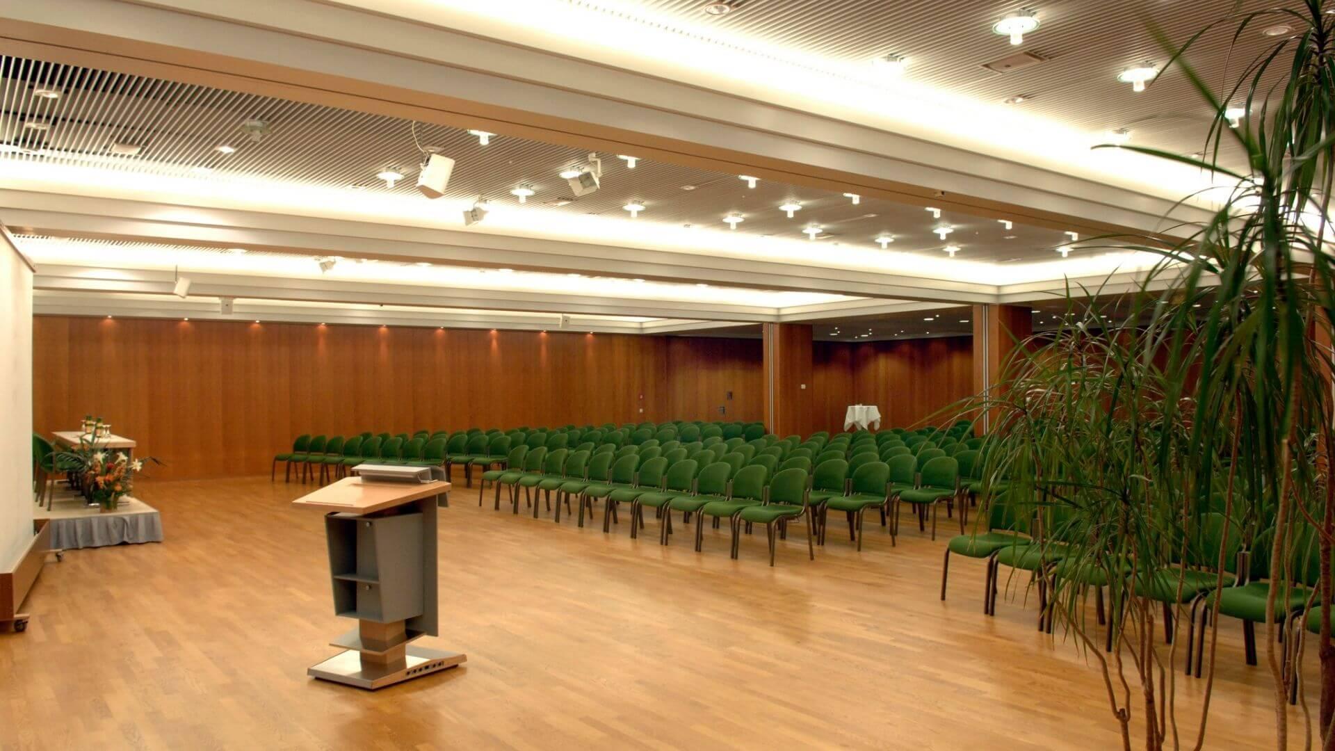 Saarlandhalle Saal 7 Reihenbestuhlung Becker und Bredel
