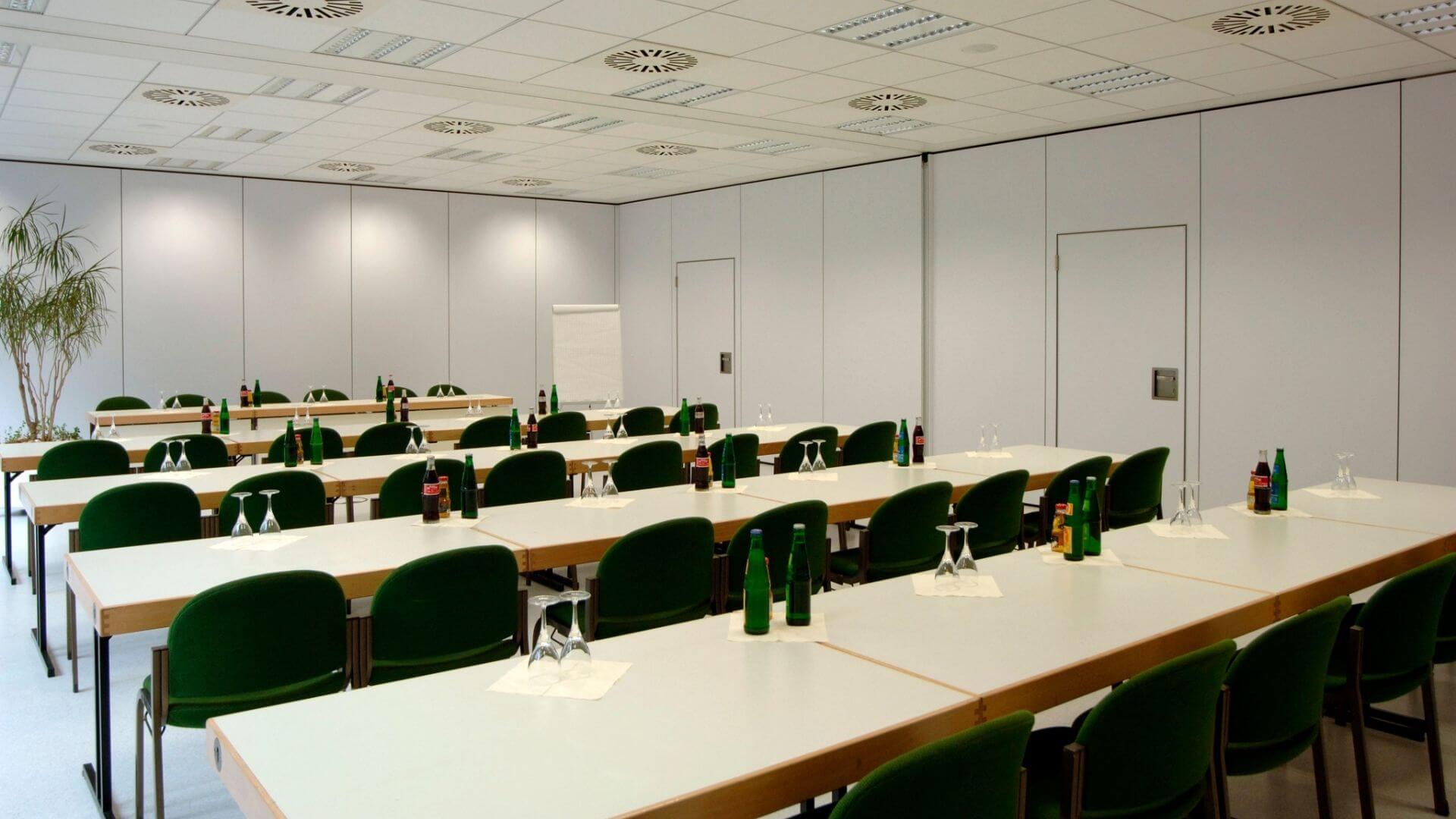 Saarlandhalle Saal 8 Parlamentarische Bestuhlung Becker und Bredel