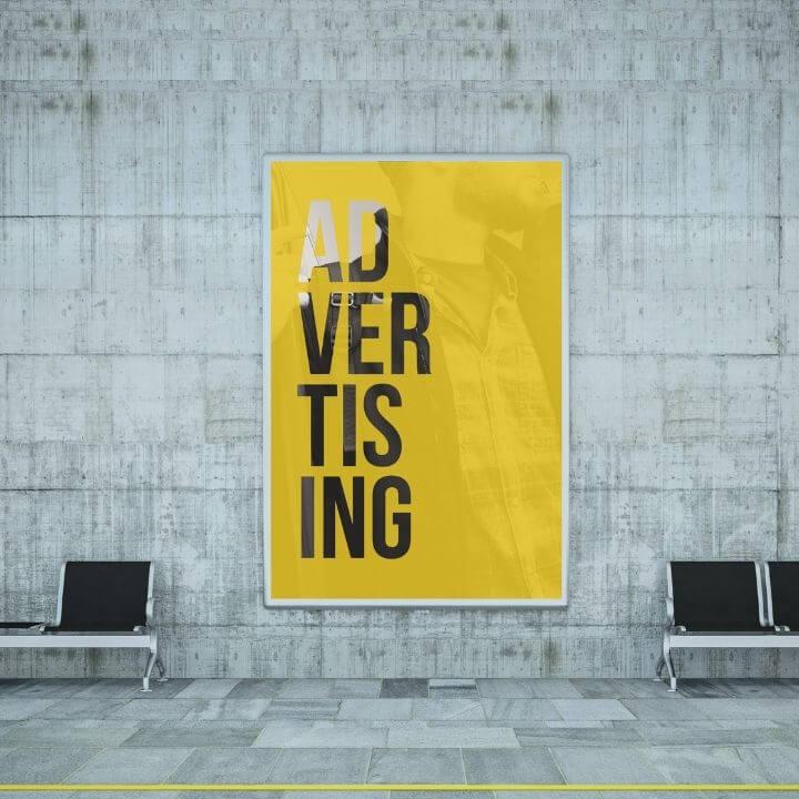 Werbeleistung fuer Veranstalter Stockfoto Plakatwerbung in U Bahn Station shutterstock copyright McLittle Stock
